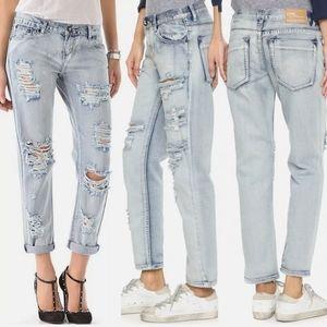 One Teaspoon Size 26  Distressed Boyfriend Jeans